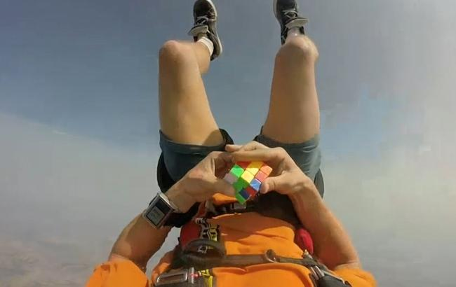 skydiver__3436465k_650x410